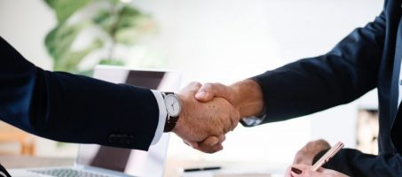 businessmen-collaboration-cooperation-886465-a